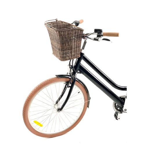 Entity FB15 Front Basket - Wicker